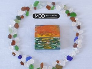 MOD ART Hand Painted Glass Magnet GM008