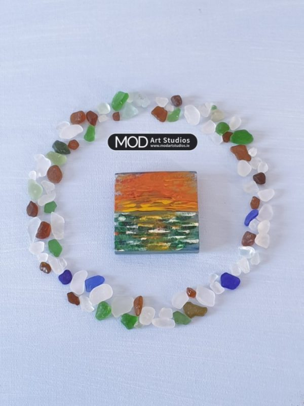 MOD ART Hand Painted Glass Magnet GM008