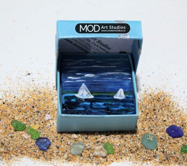 MOD ART Glass Magnet GMS028
